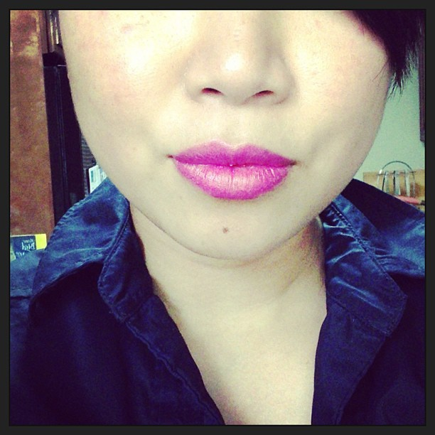 @StilaGirlCanada after glow lip color in electric pink … Um. yes. Please.