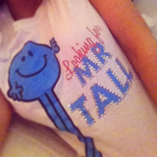Story of my life…I hate being tall 😒 #tshirt #mr #tall #lifeprobs