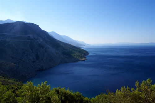 mountainish:  Dalmatian coast (by Toni F.)