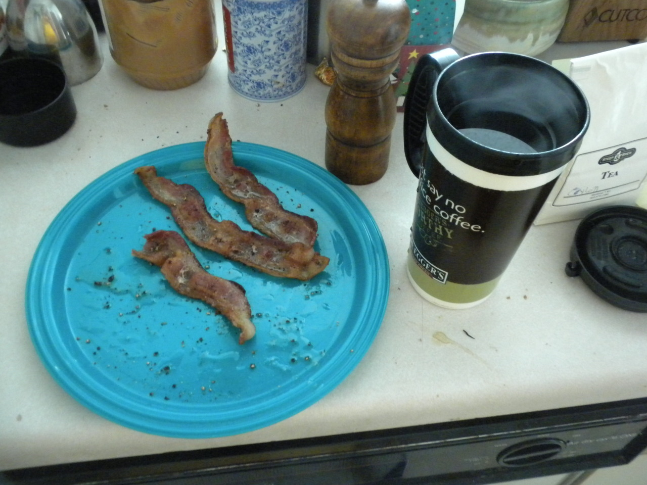 bearmodemn:  Today's pre workout meal- bacon, black coffee, and a burning desire to lift heavy things.