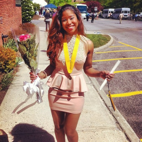 blackgirlsrpretty2:    I graduated college, yo.    http://staypotent.tumblr.com/