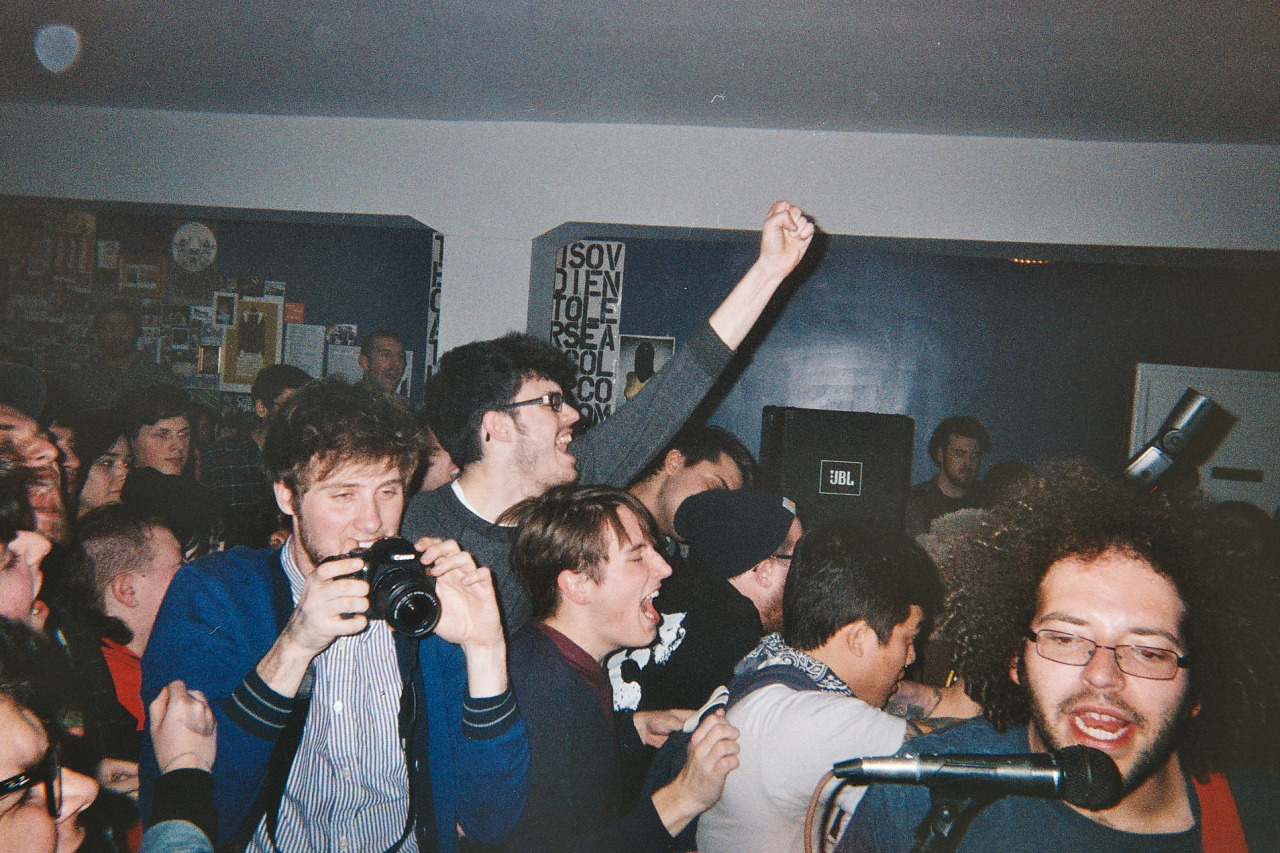 asobbrokeup:  ahoyimcarly:  Glocca Morra at Suburbia   Hey, I know those guys  Same