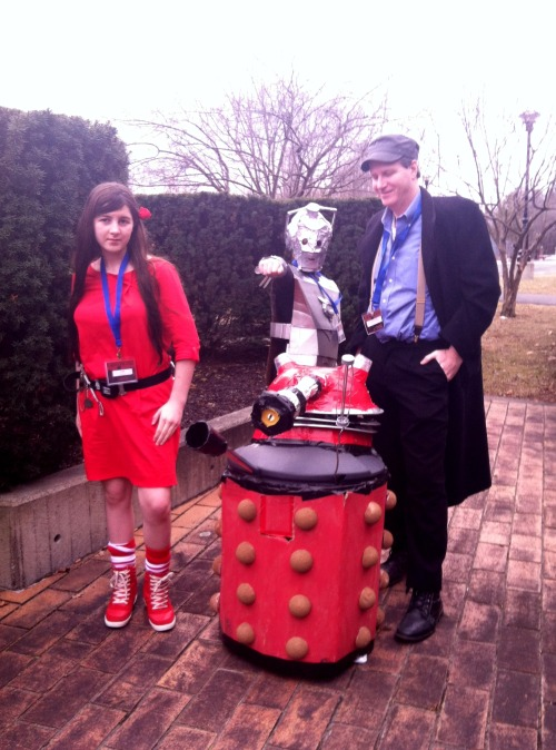 vertdragain:  Left to Right: kids Ceili as Souffle Girl, Zeph in the Dalek, friend Jack as Cyberman and the hubs Mike as Capt Jack at RPI's Genericon…cuz there's nothing #DoctorWho you can't make without some cardboard and duct tape! ・゚✧ ゜・。。・゜☆゜・。。・゜☆ ゜・。。・゜☆ ゜・。。・゜ You are the stars of the Doctor Who Tumblr so we want your autograph.(✿◠‿◠)  Post a piece of artwork, a selfie, a fan sign, whatever with your Tumblr URL using the tag 'the doctor who tumblr asked for my autograph'. Submit it via our form. ヽ(゜∇゜)ノ We're going to take everybody's posts and turn them into a collage poster for the Doctor Who Tumblr office. (✿◡‿◡)