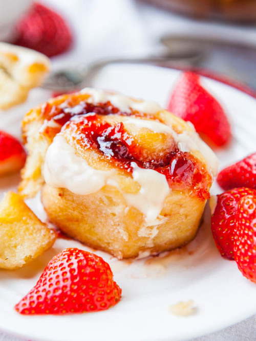 gastrogirl:  strawberry sweet rolls with vanilla cream cheese glaze.