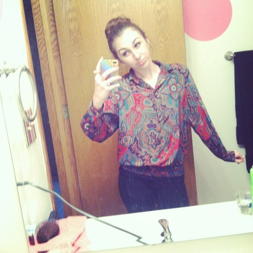 stuck-in-a-day-dream24-7:  So. Thats my great grandmas shirt. And since she's now very old, I get to inherit her sweet ass clothing. Good style grandma, good style.