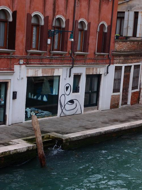 Venice—where love is everywhere, even in the graffiti. Italy. April 2013. (via Kayla Gesek)