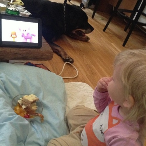 #pernille #eating #food #watching #pocoyo and #sofus the #dog <3 #going #home #soon