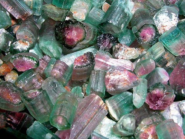 Pixiedustparcels: Rough all-natural watermelon tourmaline Crystal from Nigeria. (SOURCE)