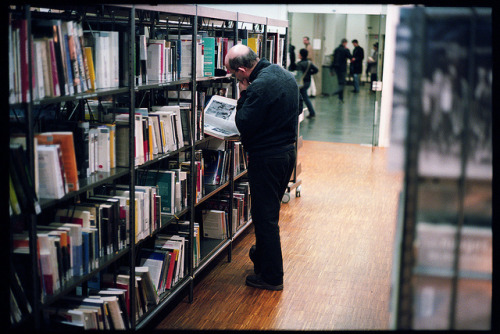 A la bibliothèque on Flickr.