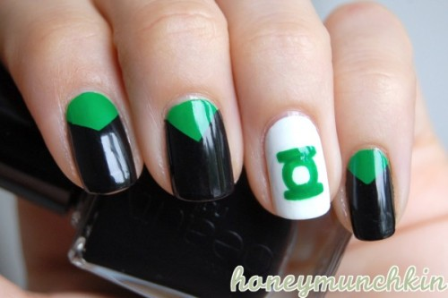 Manicure Monday: Green Lantern, by HoneyMunchkin