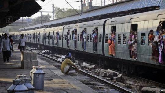 """BBC记者来鸿:铁路改革—印度要啃""""硬骨头"""""""