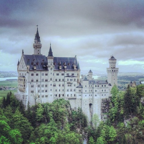 Stormy day #germany #travel  (at Schloss Neuschwanstein)