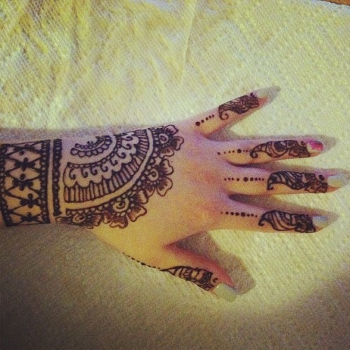 Late night mehndi session.