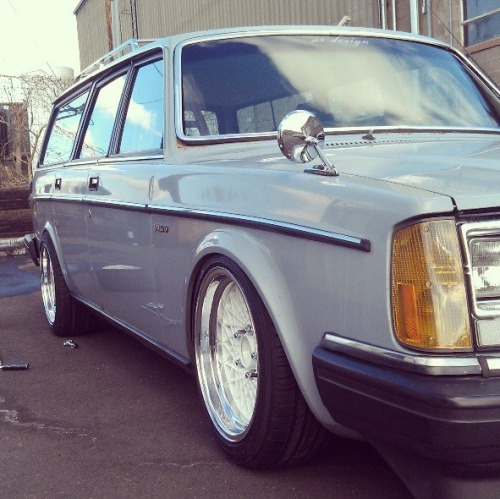 brickblog:  Justin Chenoweth's wagon on gta wheels