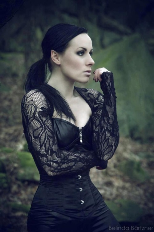 amaranths-apothecary:  ilovegothgirls:  The most beautiful Dark Elf in the forest My compliments to the photographer for this masterpiece!  Gorgeous <3