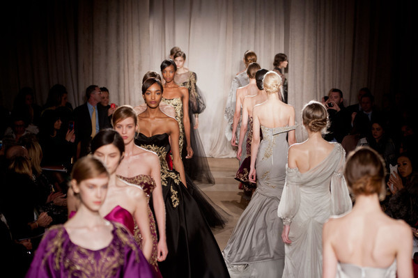 notordinaryfashion:  Marchesa Finale