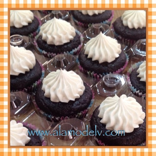 Delicious bite size mini chocolate cupcakes all lined up & ready for delivery! I wonder if they would notice it a one or two were missing?!   Yummy gluten free, vegan, corn free, rice free & soy free and made with 100% organic ingredients.   #bakery  #cornfree  #celiacawarness #foodporn #glutenfree  #lasvegas #livingglutenfree  #organic #purevegan #plantfoodforpeople #ricefree #soyfree #vegan #vegas #veganfood #veganmofo #vegansofig #veganvegas #veganbakery #vegancookies #veganfoodshare  #veganspin  #healthyeah #FoodNetworkFaves  #minichocolatecupcakes #webstapick