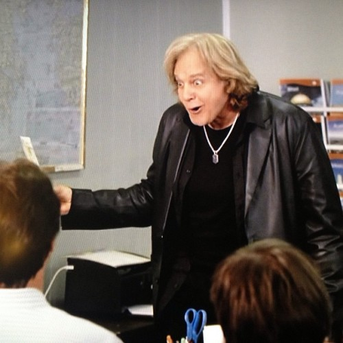 I love this fucking #commercial! #EddieMoney #TwoTicketsToParadise #Geico #hilarious #funny #lol #lmao #lmfao #80s #music