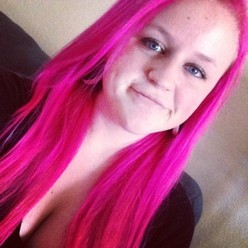 Finally redid my huuur. #pinkhair #pinklife #plugs #booooooobs