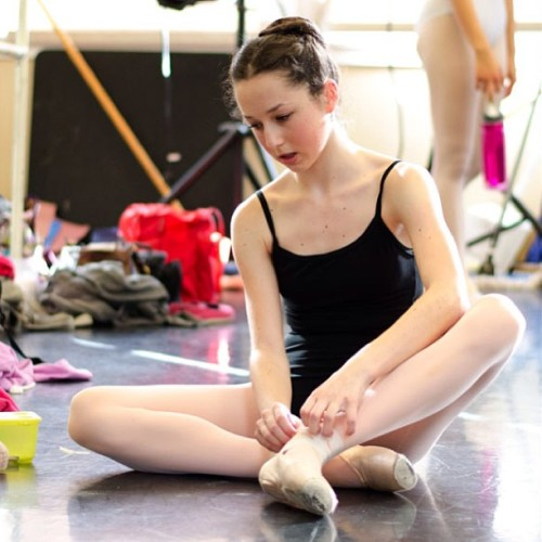 p-ointeshoes:  verymaryanna:  Robbie Downey  Pure ballet blog ✮