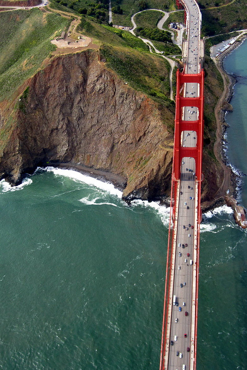 vurtual:  View of the Golden Gate Bridge (by Bobbie)