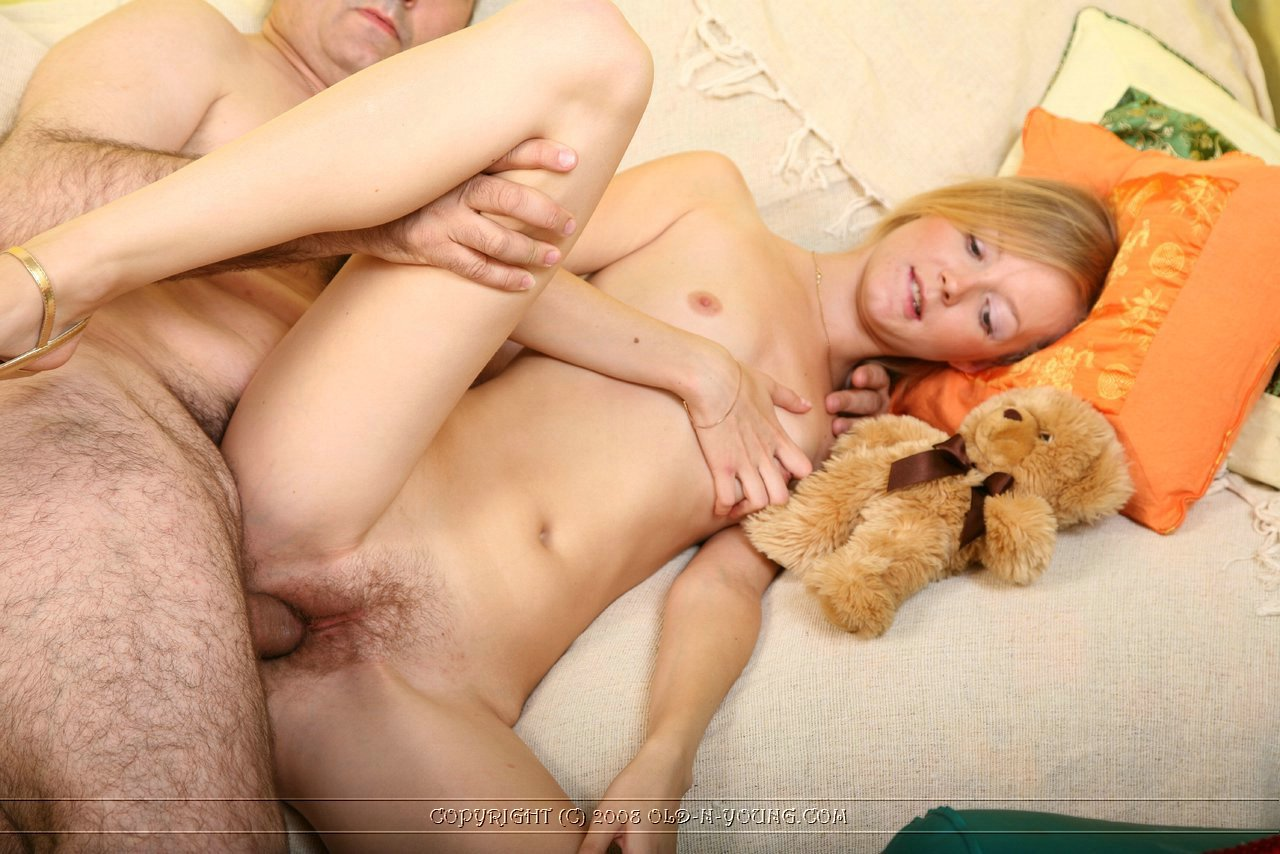 Brother gropped sister when she was sleeping 9 on hotnude.vikipets.ru