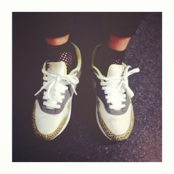Safari feet #am1 #nike #airmax #sfbk #smallfeetbigkicks #chicksinkicks #girlsinairs #crepcheck