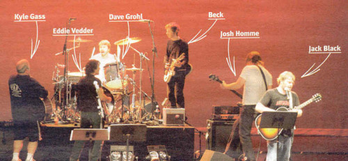 dave-eric-grohl:  The best thing ever? At the Tsunami Benefit Concert, 2005.