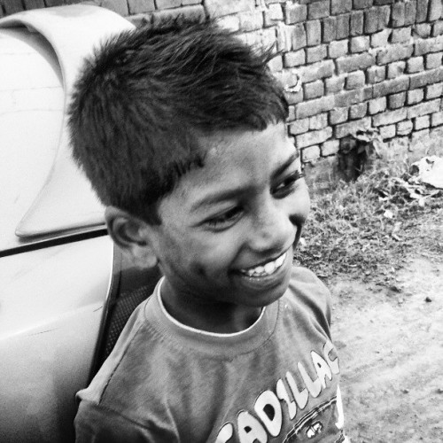 A #kid #smiles more number of times than an adult. #bnw (at Padhai Centre)