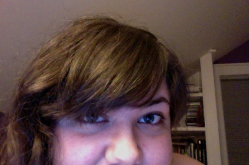 My bangs are so perfect! and its's almost 1am why does this keep happening?!