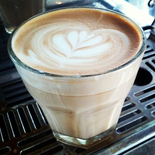 #Latteart in a 7oz glass cup. (at The Daily Coffee)