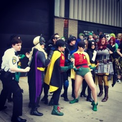 thegirlwiththelacedress:  Batman Photoshoot at Acen #batman #batgirl #stephaniebrown #timdrake #acen #convention #robin #dccomics #cosplay  I'M IN THE BACKGROUND!!! haha