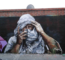 vimural:  Cover up, Hollywood, Los Angeles by Fintan Magee on Flickr.