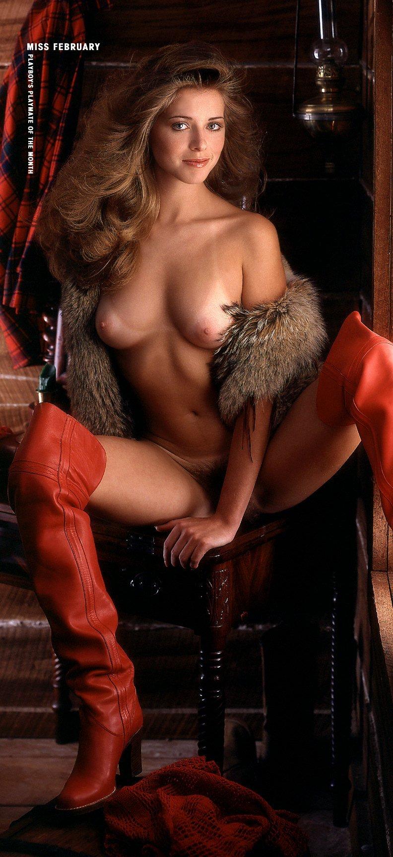 Angie Harmon Nuda angie harmon nude retro fuck picture.