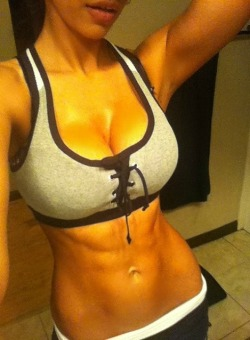 hardbody-fit-girls:  HardBodyFitGirls - Follow us for more fitness girls!