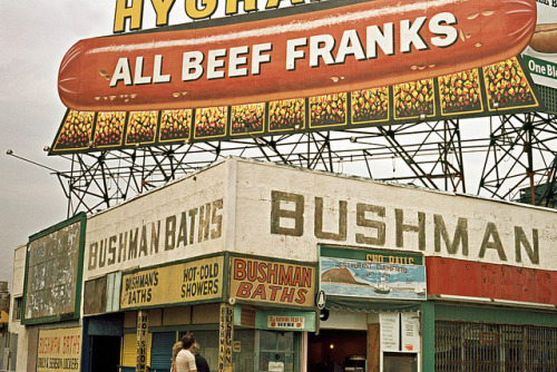 retronewyork:  New York 1971 - Coney Island by Gentle***Giant on Flickr.