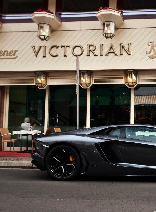 wormatronic:  Aventador LP700-4 | Source | More