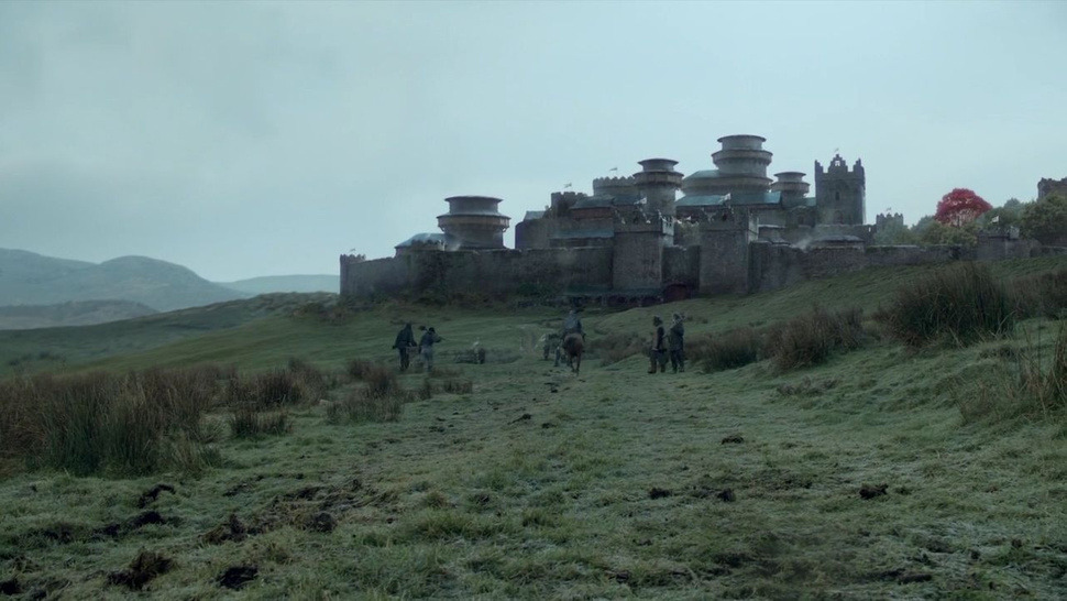 HBO's Unaired 'Game of Thrones' Pilot Was Pretty Different Less focus on the Starks? An earlier introduction to Daenerys who is played by a different actress? Why the hell hasn't this pilot leaked online yet like that terrible American pilot for The IT Crowd?