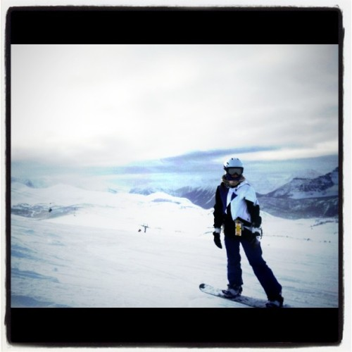 I love the mountains <3 #sunshinevillage #snowboarding w/ family @msgabrielle @floml
