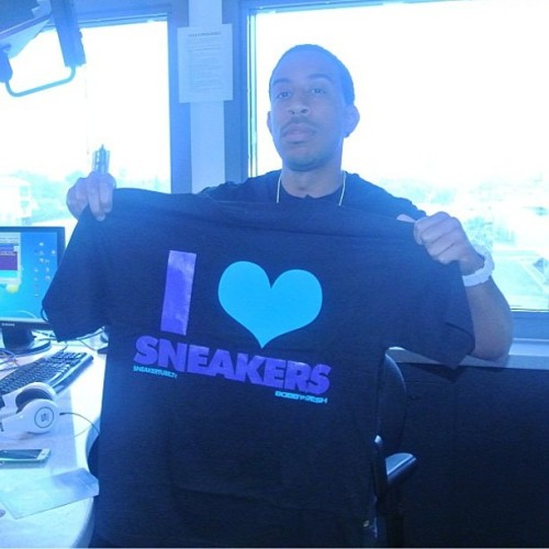 "Salutes @itsludacris repping the @SneakerTubeTV X @BobbyFresh ""I Love Sneakers"" Tee for the Black Grape 5's!! Get yours today over on BobbyFresh.com and check out the matching Nike Custom Elite Socks we got to go with it also!!"