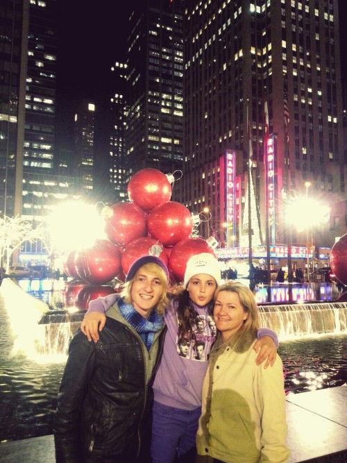 Cutest family New Yorks ever seen  ^-^