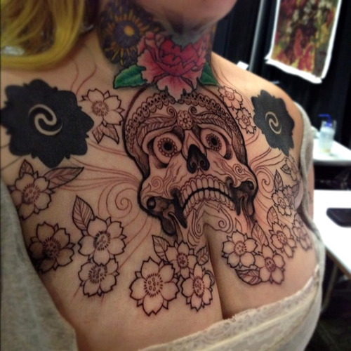 thievinggenius:  Tattoo done by Jeff Gogue.