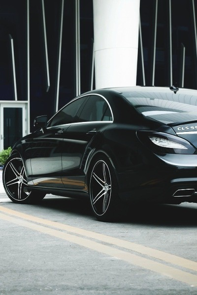 thinkingbeyondborders:  Mercedes Benz CLS 550 Black Edition
