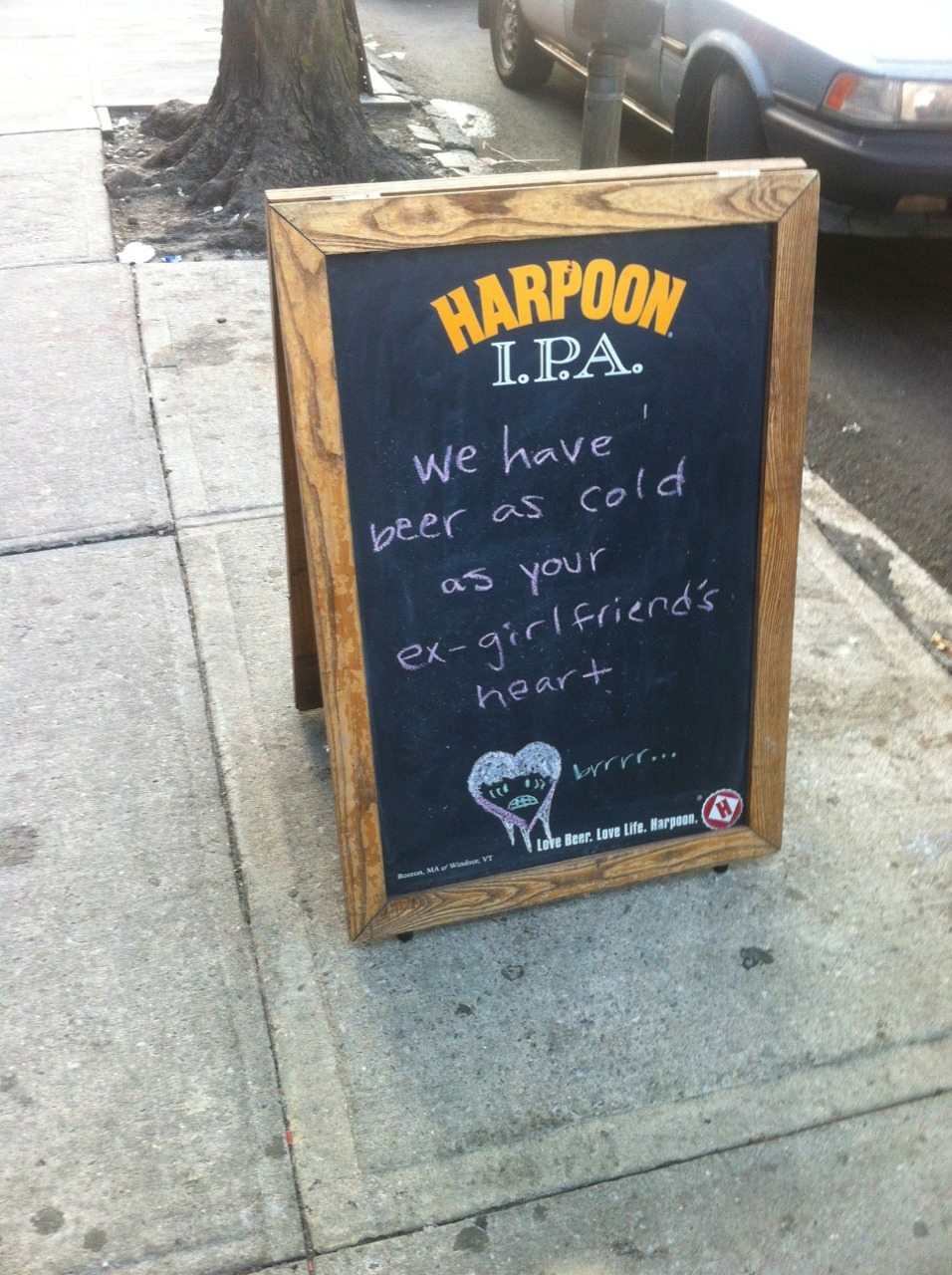 ilikethepenguins:  Thought this was cute. Only in Astoria.  can't wait
