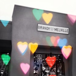 🙌😍 #brandymelville #pacificbeach #fashionjunkie  (at Brandy Melville)