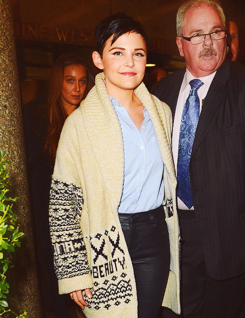 99/100 pictures of Ginnifer Goodwin