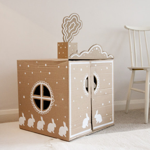 DIY Bunny Recycled Cardboard Box Play House from Ukkonooa here. For more cardboard DIYs go here: unicornhatparty.com/tagged/cardboard and for more DIY playhouses go here: unicornhatparty.com/tagged/fort