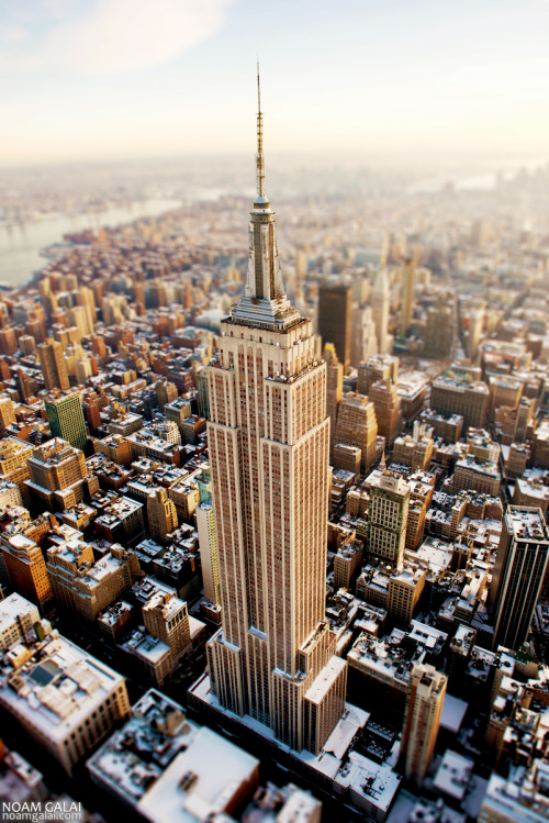New York City and the Empire State Building covered with snow. Photo: Noam Galai
