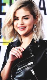 Selena Gomez Tumblr_ozsw1ig3251uaal11o6_250