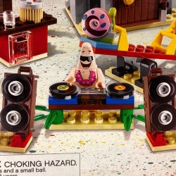 this is real. #lego #legos #hipster #dj #spongebob #Patrick #starfish #toys #childhood #vinyl #records #turntables #partytime #boogiedown #speakers #losangeles